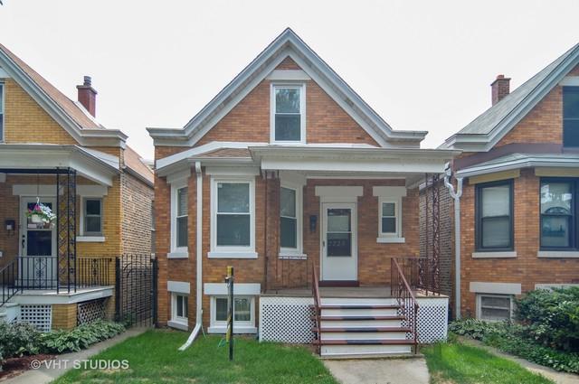 2725 W Nelson Street, Chicago, IL 60618 (MLS #10090027) :: Lewke Partners