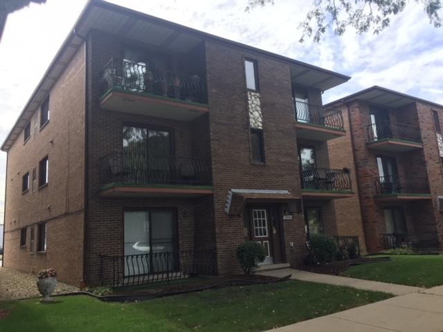 6545 W 64th Place 2E, Chicago, IL 60638 (MLS #10090979) :: Lewke Partners
