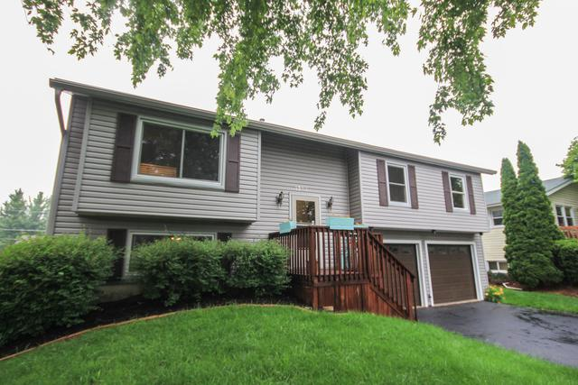 1352 Cottonwood Lane, Crystal Lake, IL 60014 (MLS #10091043) :: Lewke Partners