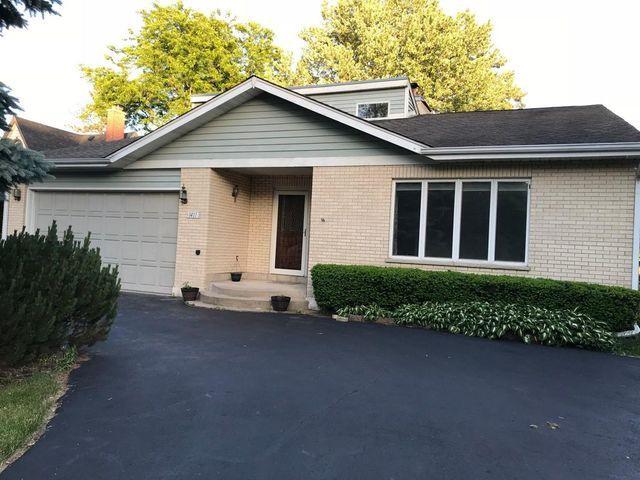 1411 Lowe Drive, Algonquin, IL 60102 (MLS #10091656) :: Lewke Partners