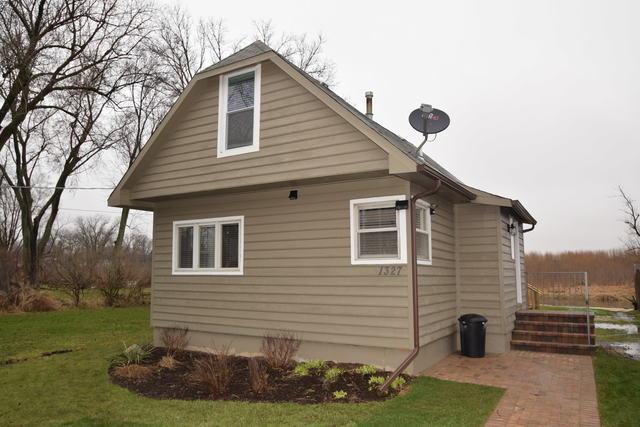 1327 Nippersink Drive, Spring Grove, IL 60081 (MLS #10091838) :: Lewke Partners