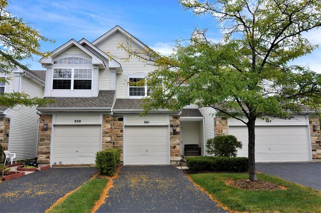 961 Viewpoint Drive, Lake In The Hills, IL 60156 (MLS #10091895) :: Lewke Partners