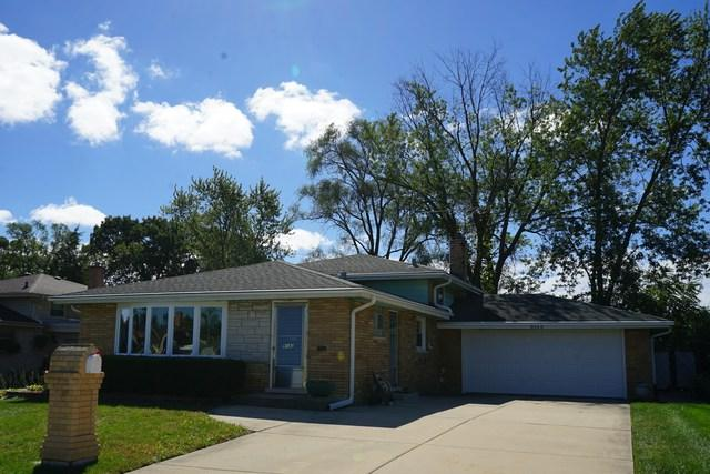 9143 W 92ND Place, Hickory Hills, IL 60457 (MLS #10091930) :: Lewke Partners