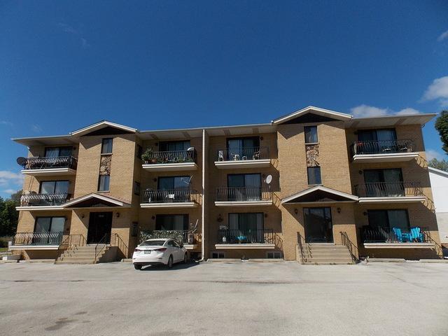 7824 W 87th Place 1A, Bridgeview, IL 60455 (MLS #10092457) :: Lewke Partners