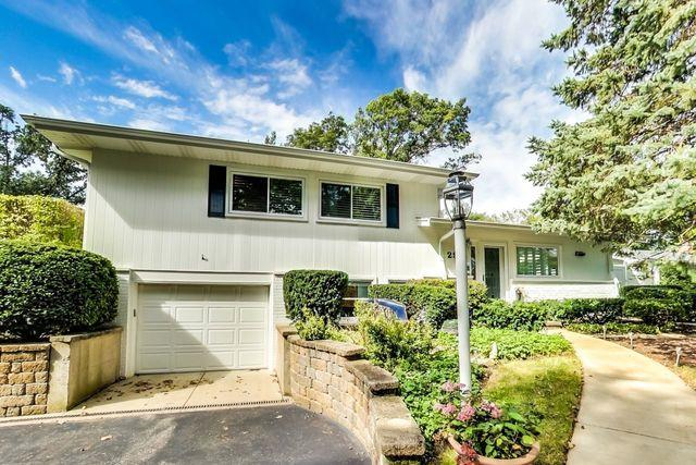 2916 Summit Avenue, Highland Park, IL 60035 (MLS #10092895) :: The Jacobs Group