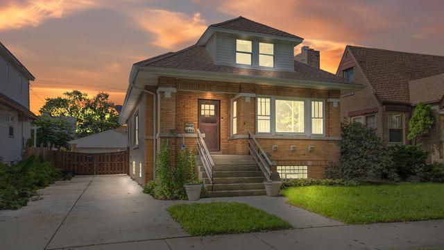 5645 W Wilson Avenue, Chicago, IL 60630 (MLS #10092904) :: Lewke Partners
