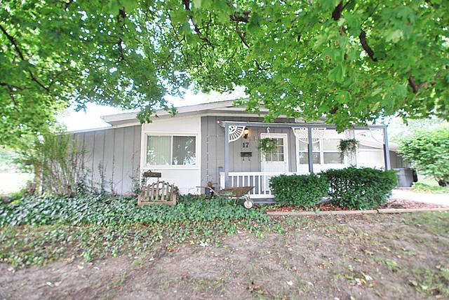 17 Codorus Road, Montgomery, IL 60538 (MLS #10093147) :: Ani Real Estate