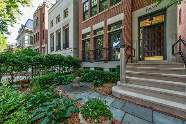 1909 N Howe Street, Chicago, IL 60614 (MLS #10093250) :: Property Consultants Realty
