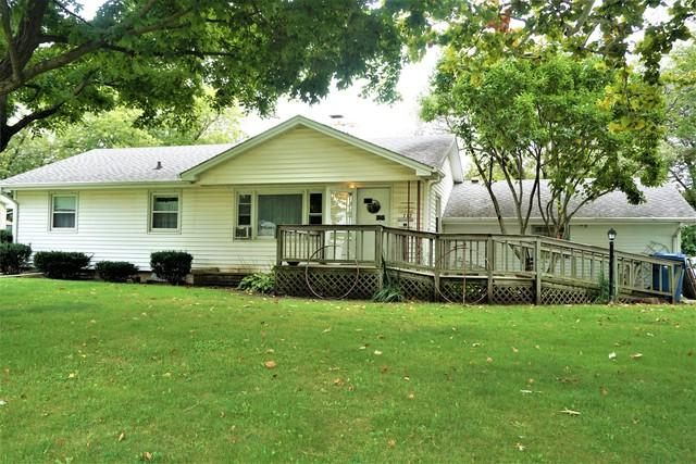 712 Euclid Avenue, Hoopeston, IL 60942 (MLS #10094968) :: The Dena Furlow Team - Keller Williams Realty