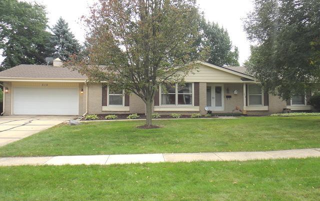 218 Laurel Lane, Dekalb, IL 60115 (MLS #10095159) :: Berkshire Hathaway HomeServices Snyder Real Estate