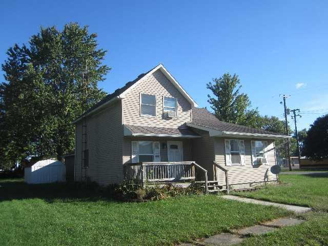 512 Victoria Street, Donovan, IL 60931 (MLS #10095454) :: The Dena Furlow Team - Keller Williams Realty