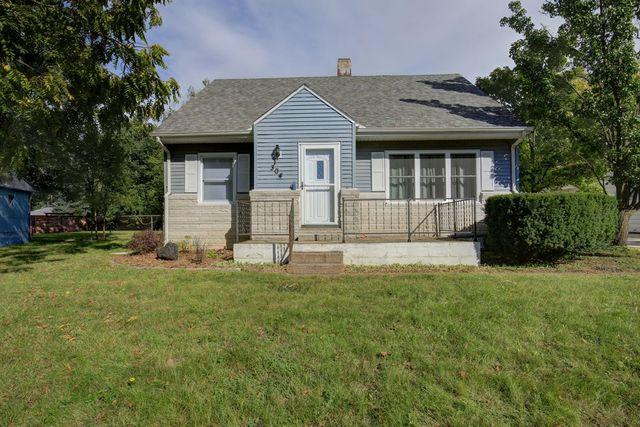 304 Elmwood Drive, Champaign, IL 61821 (MLS #10096720) :: Littlefield Group