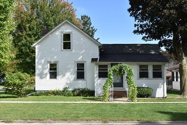901 S 4th Street, Oregon, IL 61061 (MLS #10097237) :: Domain Realty