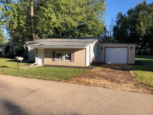 28 W Short Street, Amboy, IL 61310 (MLS #10098867) :: Domain Realty