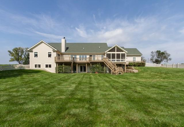 10515 Button Road, Hebron, IL 60034 (MLS #10099163) :: Leigh Marcus | @properties