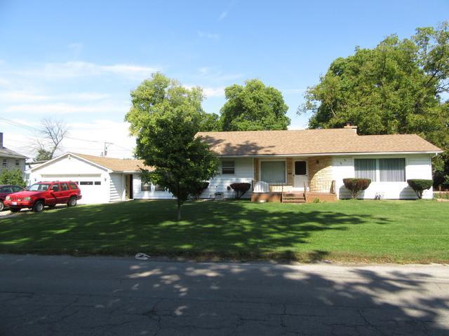 122 E Illinois Street, Momence, IL 60954 (MLS #10100689) :: Domain Realty