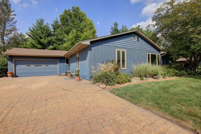 102 Jennifer Drive, Mahomet, IL 61853 (MLS #10100897) :: Littlefield Group