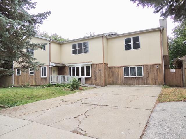 1S556 Macarthur Drive, Oakbrook Terrace, IL 60181 (MLS #10100950) :: Domain Realty