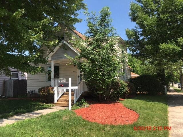 2725 24th Avenue, Kenosha, WI 53140 (MLS #10101468) :: The Dena Furlow Team - Keller Williams Realty