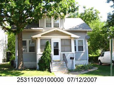 2224 Prairie Street, Blue Island, IL 60406 (MLS #10101726) :: The Dena Furlow Team - Keller Williams Realty