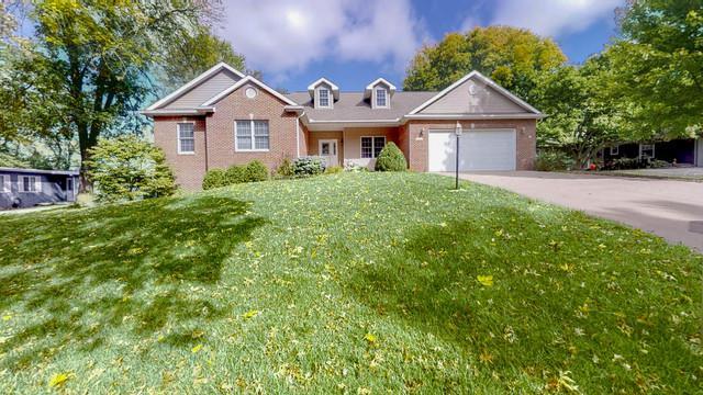 1206 Briarcliff Drive, Mahomet, IL 61853 (MLS #10103073) :: Littlefield Group