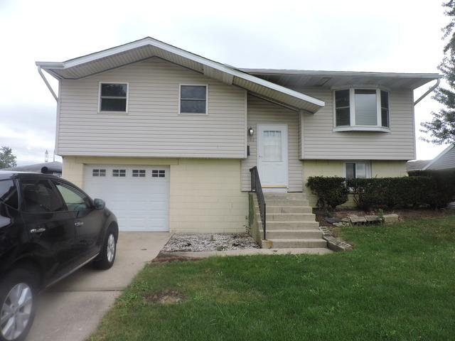 585 Belmont Drive, Romeoville, IL 60446 (MLS #10103226) :: The Dena Furlow Team - Keller Williams Realty