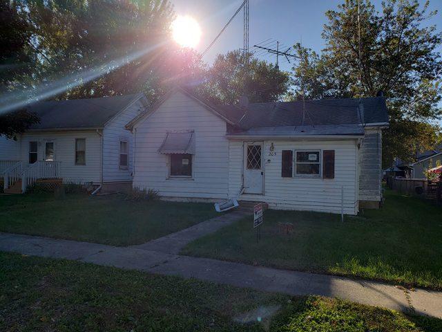 205 East Street, Kingston, IL 60145 (MLS #10103666) :: Domain Realty