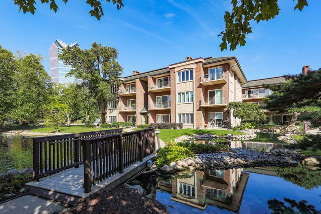 4 Oak Brook Club Drive F307, Oak Brook, IL 60523 (MLS #10104005) :: The Dena Furlow Team - Keller Williams Realty