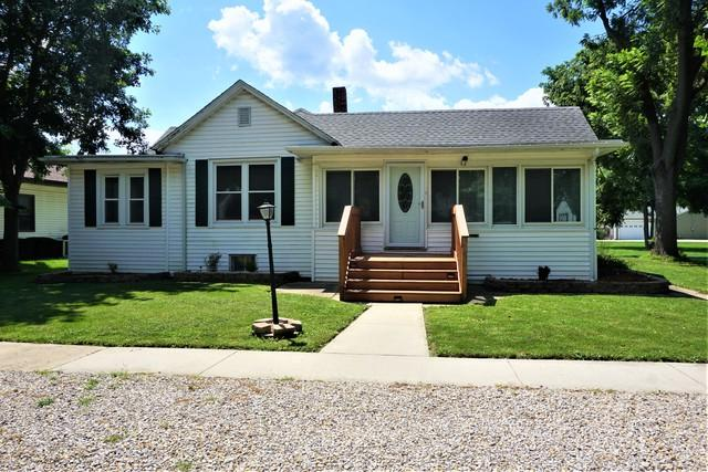 606 N Court Street, Tuscola, IL 61953 (MLS #10104449) :: Littlefield Group