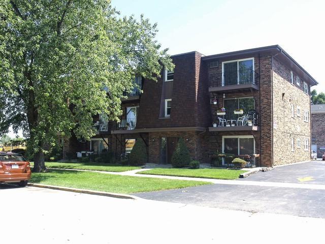 7009 99th Street #12, Chicago Ridge, IL 60415 (MLS #10105067) :: The Dena Furlow Team - Keller Williams Realty