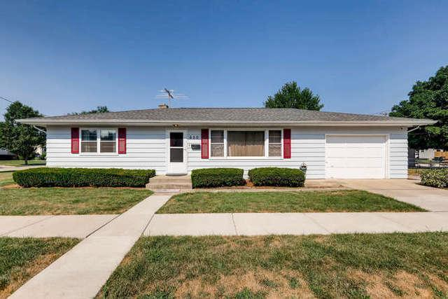 650 Wood Street, West Chicago, IL 60185 (MLS #10105150) :: The Dena Furlow Team - Keller Williams Realty