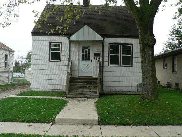 224 S Douglas Avenue, Bradley, IL 60915 (MLS #10105365) :: Domain Realty