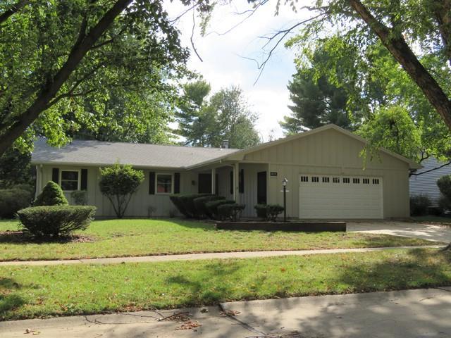 1013 Ross Drive, Champaign, IL 61821 (MLS #10106301) :: Ryan Dallas Real Estate