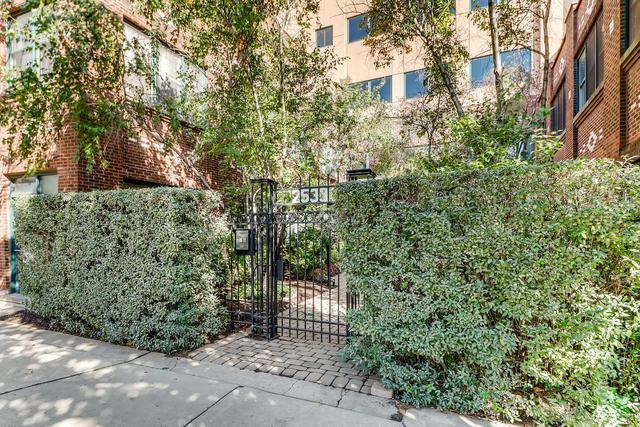 2533 N Ashland Avenue 2D, Chicago, IL 60614 (MLS #10106737) :: MKT Properties | Keller Williams