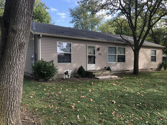 804 E Glenview Drive, Tuscola, IL 61953 (MLS #10107126) :: Ryan Dallas Real Estate