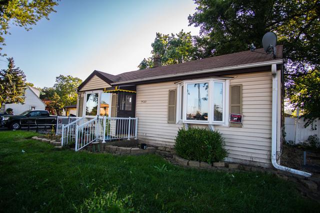 7530 S Oconto Avenue, Bridgeview, IL 60455 (MLS #10107375) :: The Dena Furlow Team - Keller Williams Realty