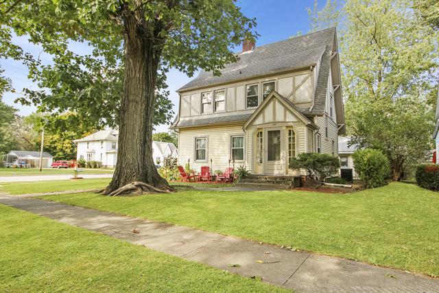 132 W Jefferson Avenue, Watseka, IL 60970 (MLS #10107406) :: Leigh Marcus | @properties