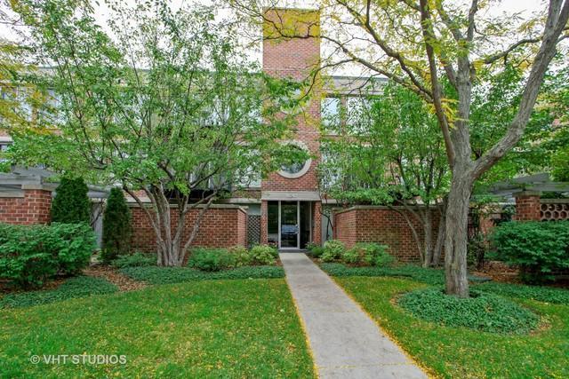 6040 Arbor Lane #102, Northfield, IL 60093 (MLS #10108856) :: The Dena Furlow Team - Keller Williams Realty