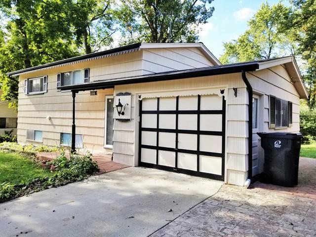 106 Shadywood Lane, Streamwood, IL 60107 (MLS #10109456) :: The Dena Furlow Team - Keller Williams Realty
