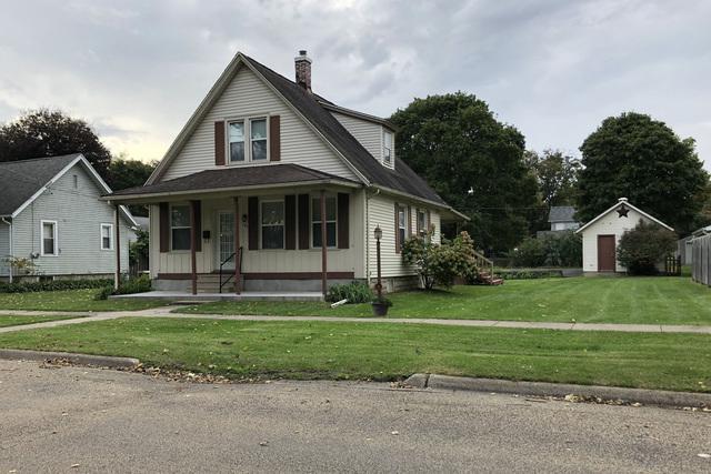 704 S 2nd Street, Oregon, IL 61061 (MLS #10109720) :: Domain Realty