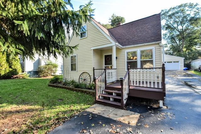 3404 Greenleaf Avenue, Island Lake, IL 60042 (MLS #10109839) :: Ani Real Estate