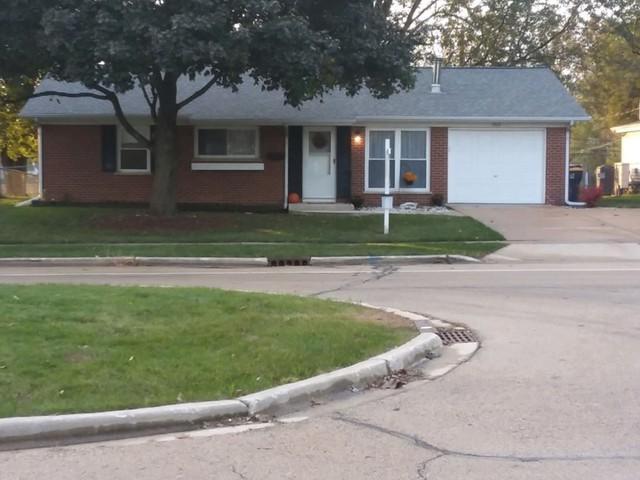 700 S Park Boulevard, Streamwood, IL 60107 (MLS #10110342) :: The Dena Furlow Team - Keller Williams Realty