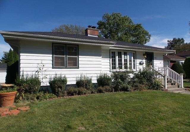 321 Wood Street, Wheaton, IL 60187 (MLS #10111061) :: The Dena Furlow Team - Keller Williams Realty