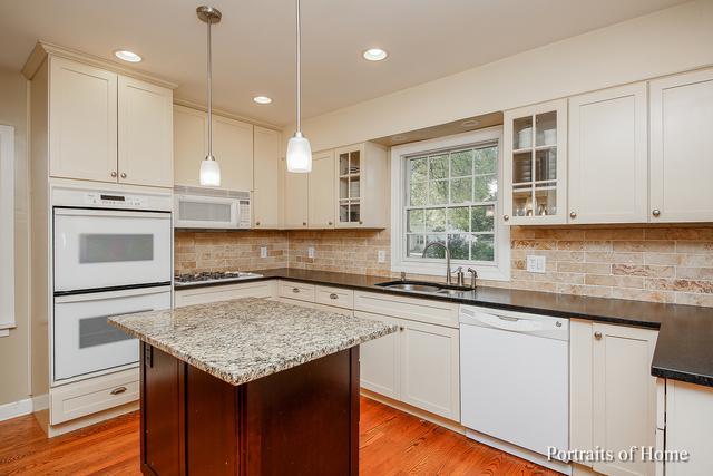 27W274 Sunnyside Avenue, Winfield, IL 60190 (MLS #10111446) :: The Dena Furlow Team - Keller Williams Realty