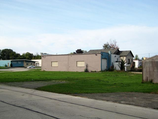 1902 Ogden Avenue, Lisle, IL 60532 (MLS #10111457) :: The Dena Furlow Team - Keller Williams Realty