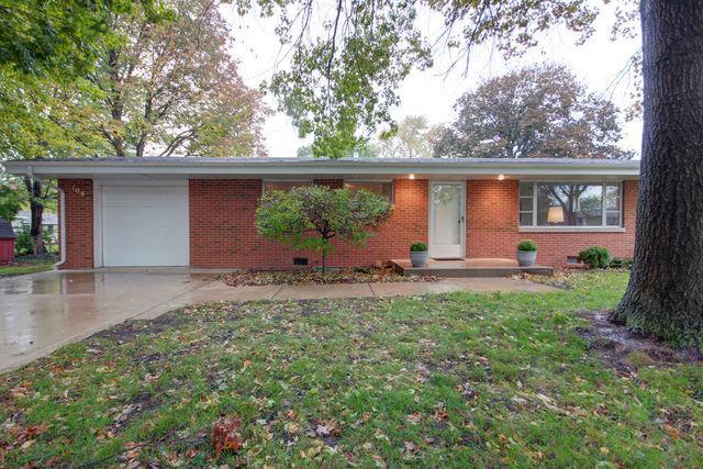 104 W Douglas Street, ST. JOSEPH, IL 61873 (MLS #10111735) :: Ryan Dallas Real Estate