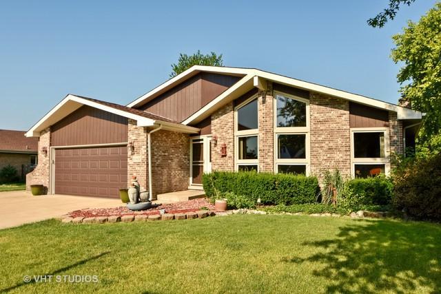 20400 S Grand Prairie Lane, Frankfort, IL 60423 (MLS #10112129) :: The Wexler Group at Keller Williams Preferred Realty