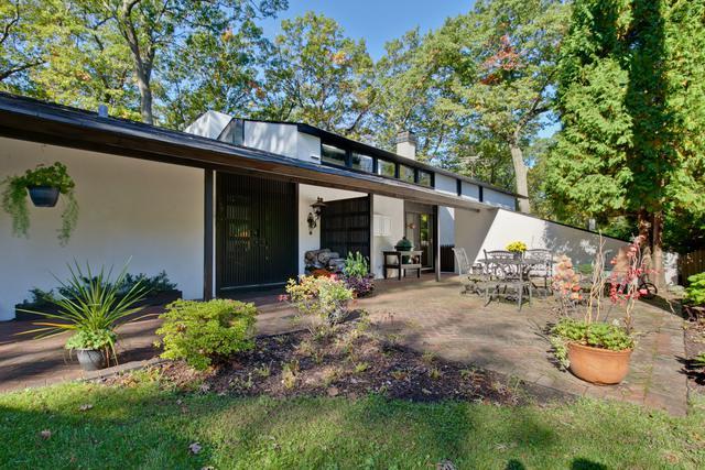 336 Crescent Drive, Lake Bluff, IL 60044 (MLS #10112773) :: Domain Realty