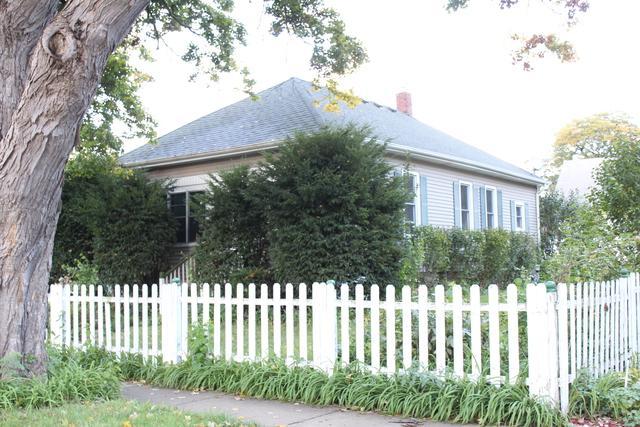 595 N Porter Street, Elgin, IL 60120 (MLS #10112774) :: Domain Realty