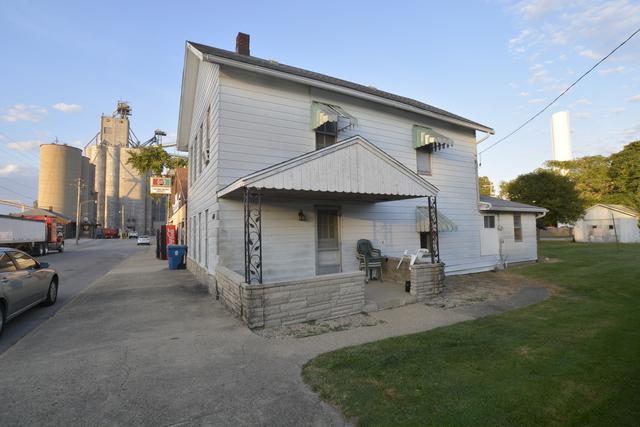 606 N Commercial Street, Thomasboro, IL 61878 (MLS #10112949) :: The Dena Furlow Team - Keller Williams Realty